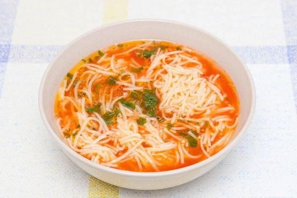 sopa de fideo mexicana