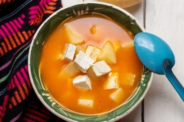 receta de caldo de papas con queso