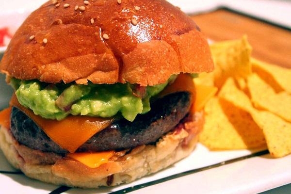 hamburguesas mexicanas con guacamole
