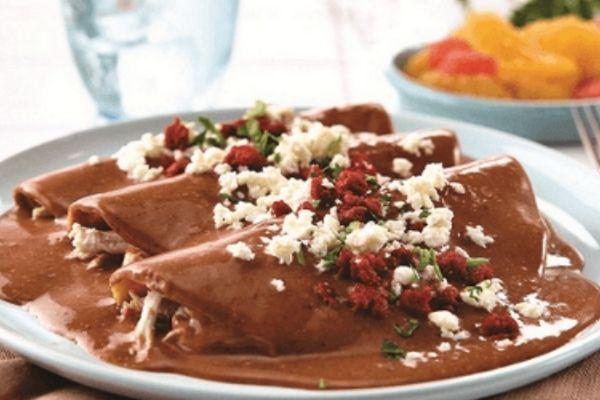 Enfrijoladas mexicanas paso a paso